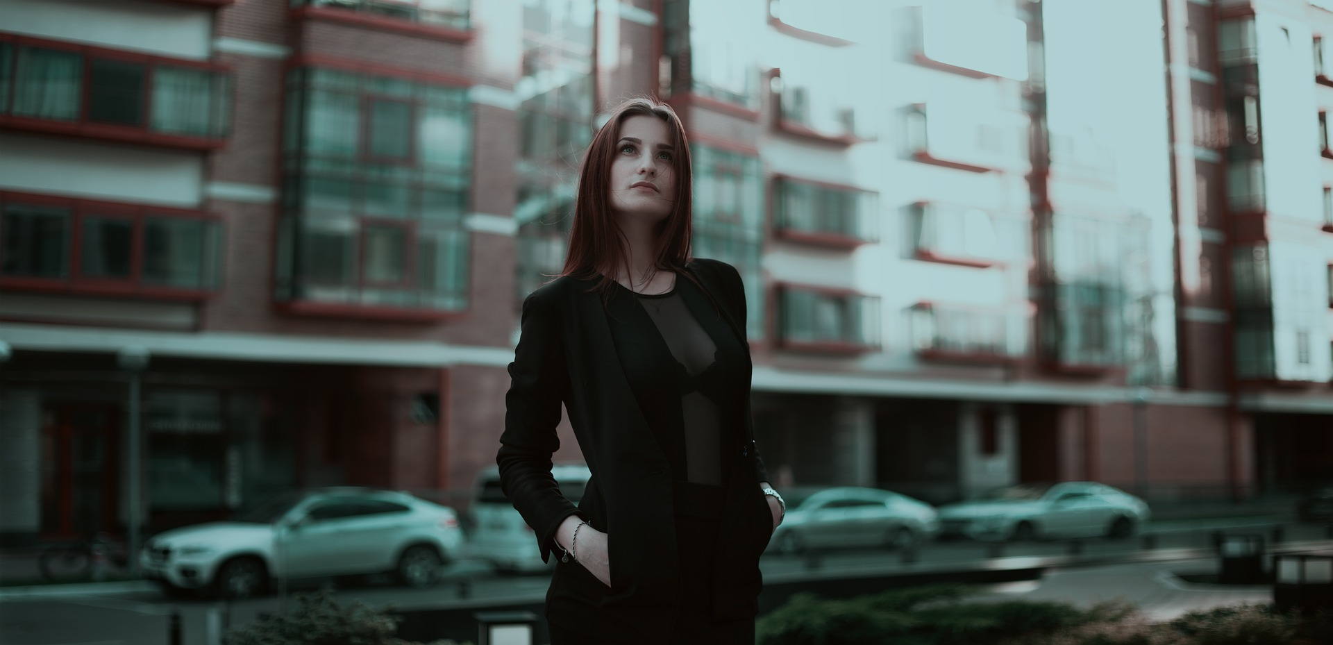 business-lady-1584654_1920